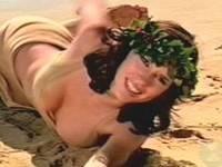Cute Jennifer Love Hewitt nipple slip & sexy video