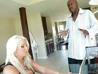 Lexington Steele Loves Awesome Big Curves 1